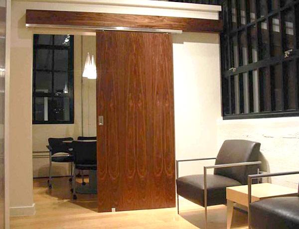 Раздвижные двери в доме